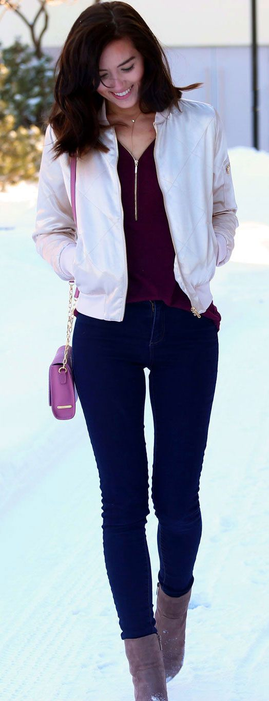 GIVEAWAY: $250 gift card to Gigi New York!! This cute crossbody pink bag is the perfect addition to any outfit! By fashion blogger Marie's Bazaar