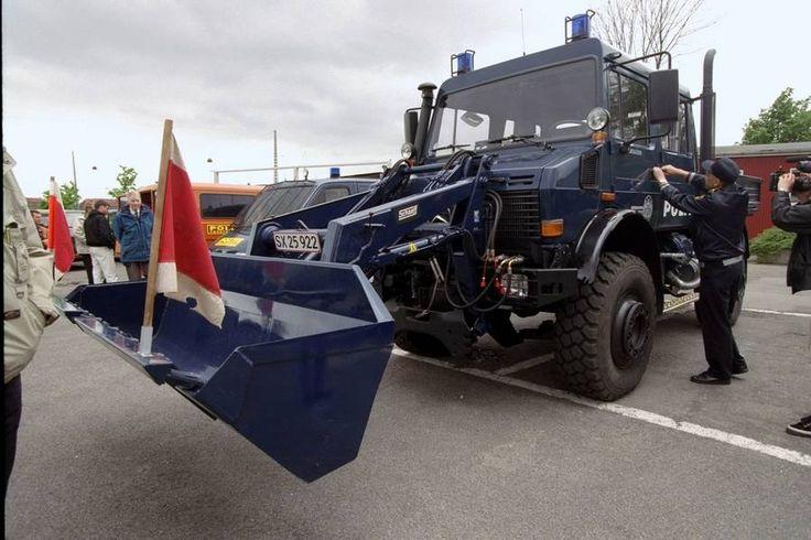 Et andet af politiets specialkøretøjer, Unimog'en, der blandt andet bruges til at rydde barrikader. (Foto: Jens Dresling)