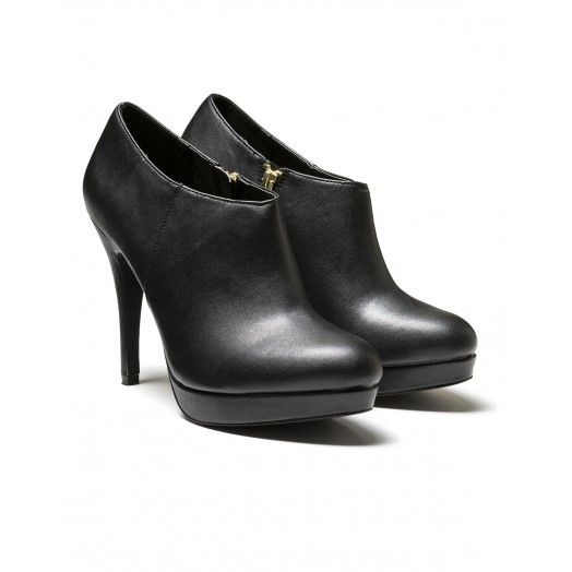 Ankle boot, with golden zip. Heel height 12 cm, platform height 1 cm.