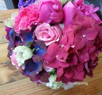 Vendulavirág Esküvőszervezés és dekoráció: Magenta és lila...