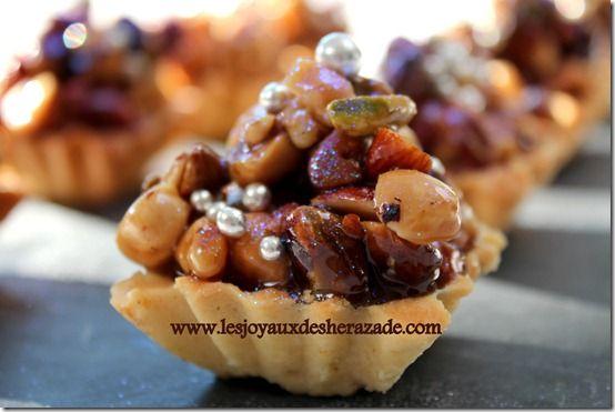 gateau algerien aux fruits secs, tartelettes aux fruits secs et caramel