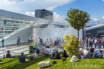 Download this Editorial Stock Photo of People Relaxing At Mall for as low as 0.67 lei. New users enjoy 60% OFF. 23,207,138 high-resolution stock photos and vector illustrations. Image: 40343923