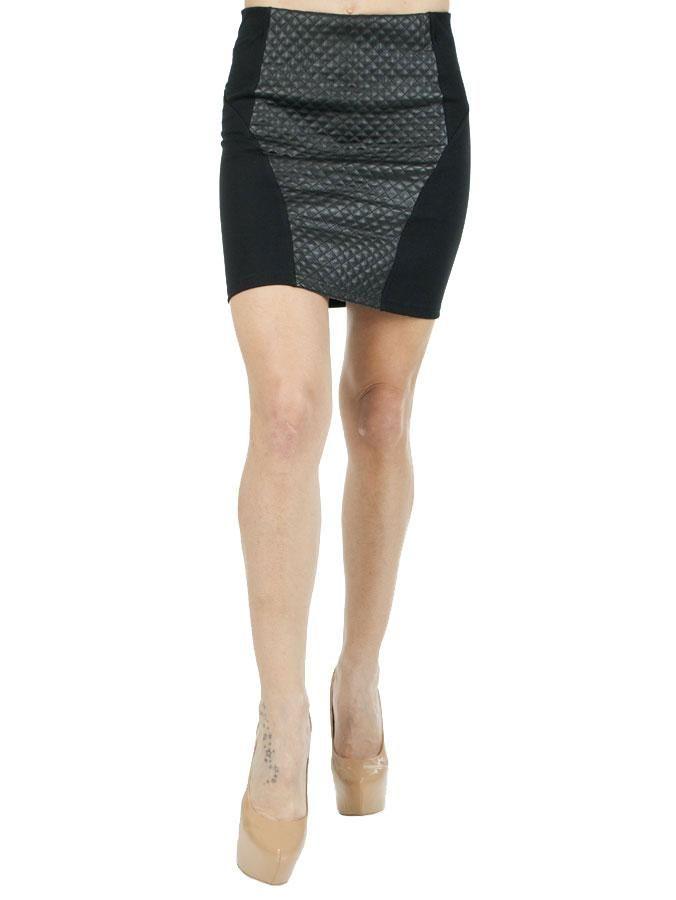 Fusta Dama Duo  Fusta dama scurta, model deosebit ce contureaza frumos silueta.  Detaliu insertie de latex in forma de romb.  Elastic lat pe interior.     Lungime: 41cm  Latime talie: 32cm  Compozitie: 65%Rayon, 30%Poliester, 5%Elasten