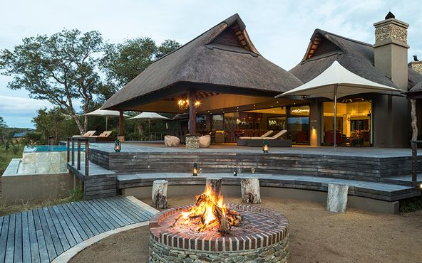 Experience lapas of luxury when you invest in a holiday home on a game reserve. #RealEstateMag #SouthAfrica