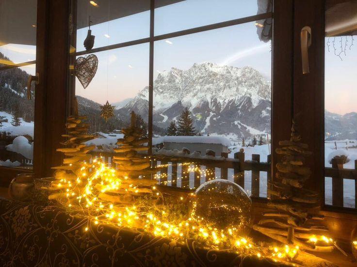 Ausblick vom Restaurant #klockerhof #familiekoch #dashotelfürentdecker #zugspitzarena #tirol #winter #schnee