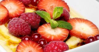 Receta de Crème brûlée o crema quemada con frutos rojos