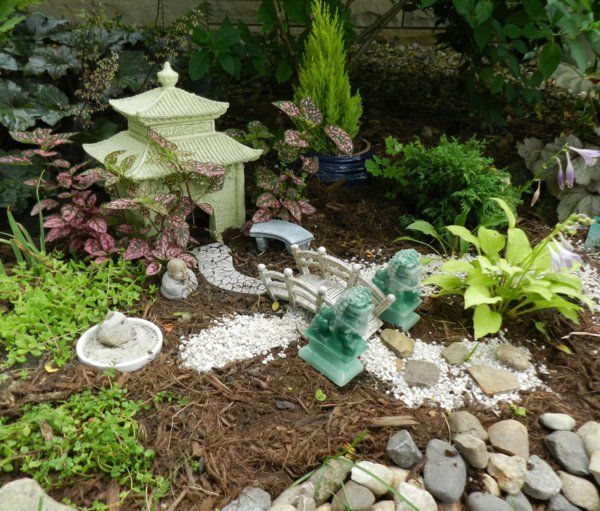 Les 25 meilleures id es de la cat gorie jardin japonais for Jardin miniature