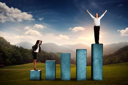 Sopraffatti o ispirati dai modelli di successo? continua -> http://storiedicoaching.com/2015/12/12/sopraffatti-o-ispirati-dai-modelli-di-successo/  #accelerare #azione #cambiare #compensare #demotivazione #difficoltà #fallimento #feedback #generazione #infattibile #insuperabile #invincibile #coach #business #life #intimidire #maestro #mentalità #mentore #mito #modello #risorsa #risultati #scopo #sfida #soluzioni #spingere #strada #successo #terreno  #donna #carriera #business