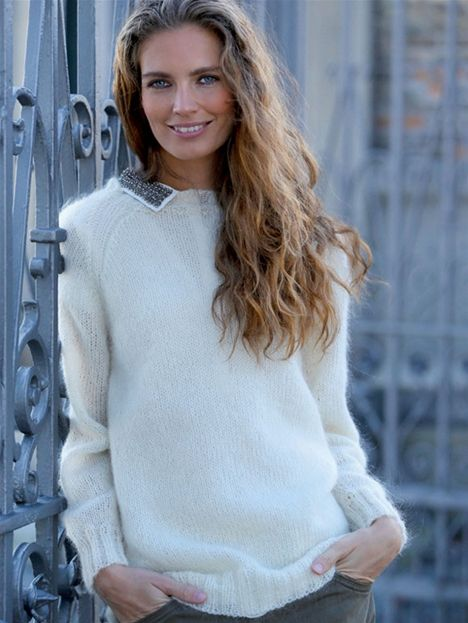 Den langhårede mohair i denne raglansweater er et meget taknemmeligt garn at strikke i – det skjuler fuldstændigt alle ujævnheder.