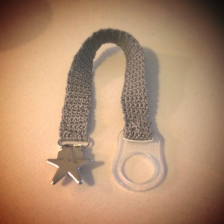 Virkattu tuttinauha. Crocheted pacifier clip <3