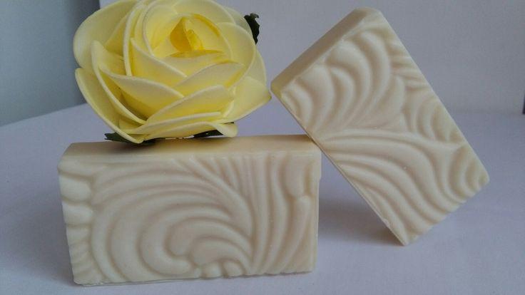 Pure elegance Goat milk soap, by Eszti Szappanszertár