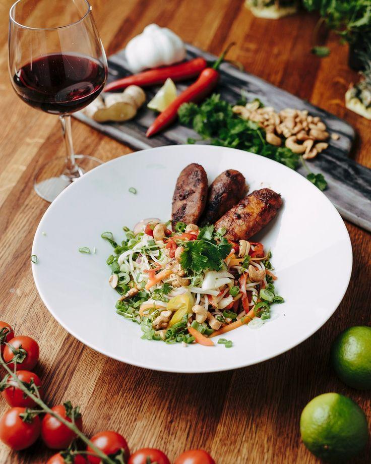 Asiatiska BBQ TZAYfiléer med nudelsallad | Jävligt gott - vegetarisk mat och vegetariska recept för alla, lagad enkelt och jävligt gott.