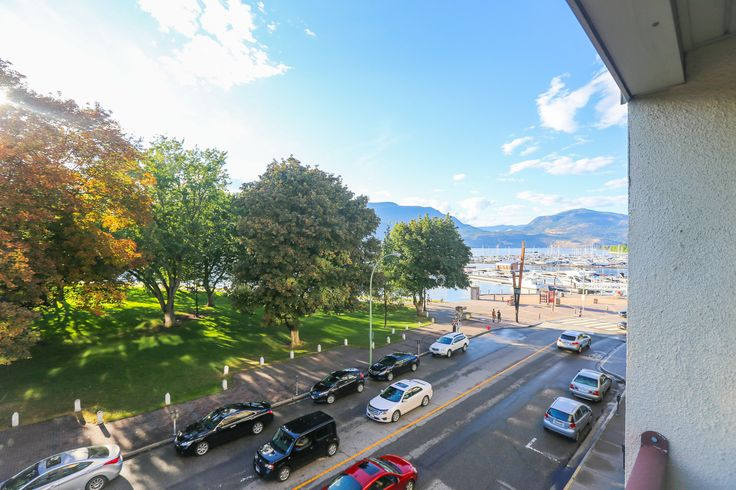 Downtown Condo Unit For Sale - $334,900. Lakeview, beach, park and shopping. 2 large bedrooms on either side of the condo!  Contact Kris McLaughlin (250) 870-2165 or Ken McLaughlin (250)870-7845 - McLaughlin & Associates - RE/MAX Kelowna. #Okanagan  http://www.kelowna.properties/property/downtown-3rd-floor-condo-lake-park-views/