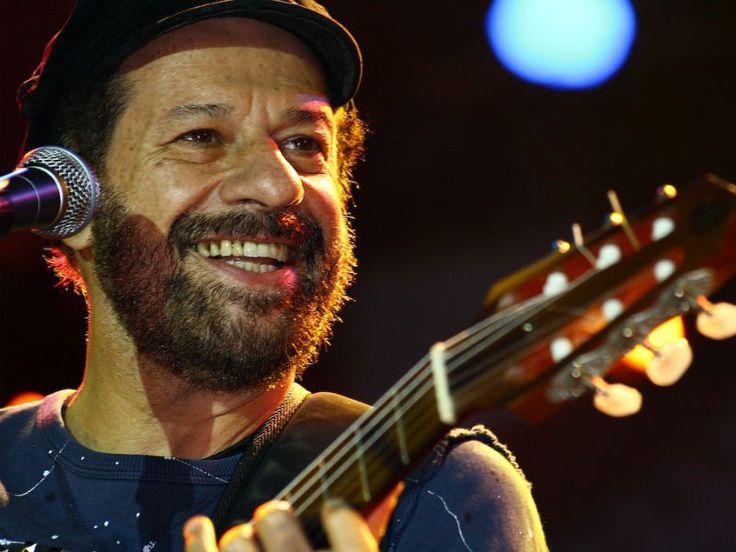 O cantor, compositor e instrumentista João Bosco faz uma breve temporada de quatro shows na Caixa Cultural, com entrada Catraca Livre.