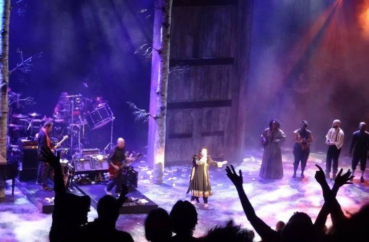 Scenes from Before The Dawn. Kate Bush in concert #katebush pic.twitter.com/ffTd8keKqq @YirryYanya