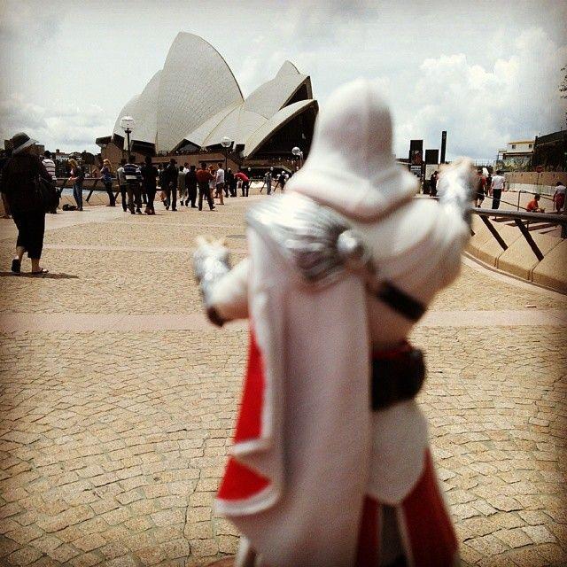 Oh, to climb such a building #Sydney #OperaHouse #Australia #DemPeaks #SoWantToClimbThat #SynchronizingViewpoints #HardClimb