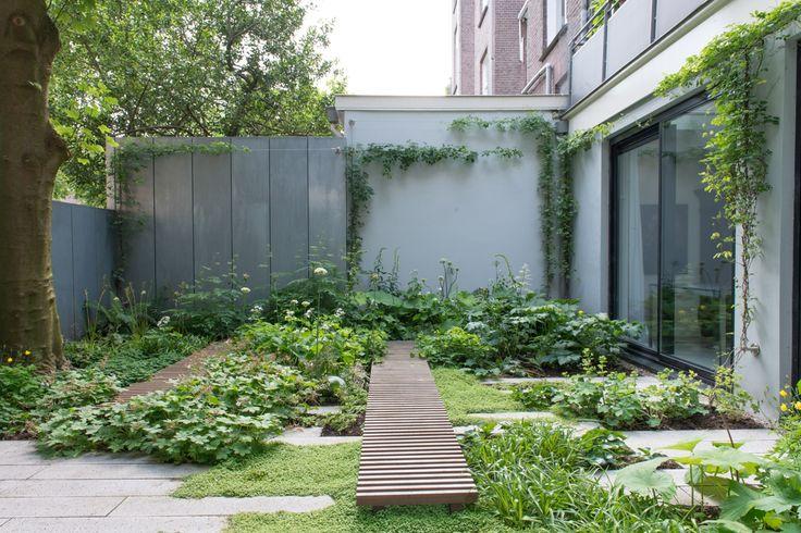 Garden design by Carolien Barkman, construction: Koninklijke Ginkel Groep photos: Maayke de Ridder