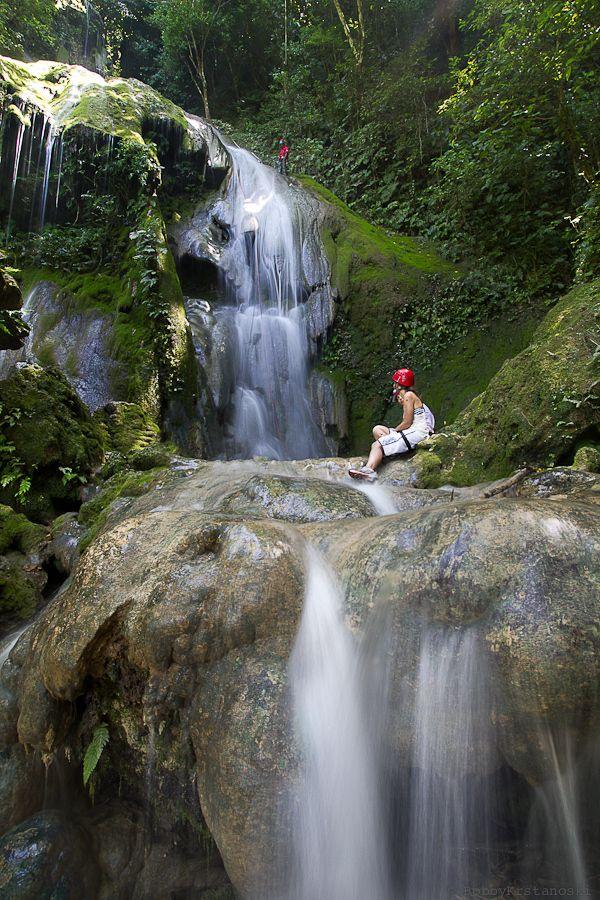 Cascade Waterfalls, Port Villa - I've climbed this!