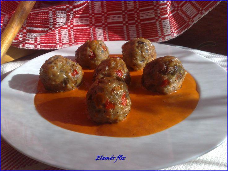 Fűszeres húsgombóc paprikamártással -- receptek365.info