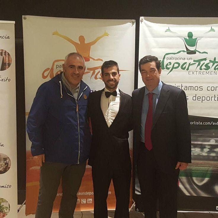 Apoyando a @ivan_elatleta en el evento de Patrocina un deportista. Un orgullo poder patrocinar a un deportista como tú. #sunoptica #patrocinaundeportista #ivanpajuelo #marcha #jjoo #objetivotokio2020