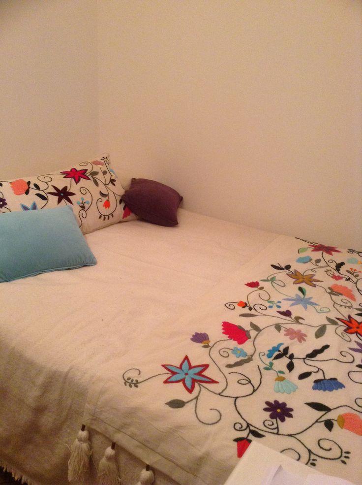 Mejores 146 im genes de almohadas bordadas en pinterest - Almohadas para cama ...