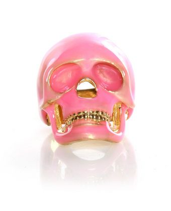 skull ring from Lulu's ( @Tiffany Diamond ) This is amazing THANK YOU Yvonne for showing me. I want it now!