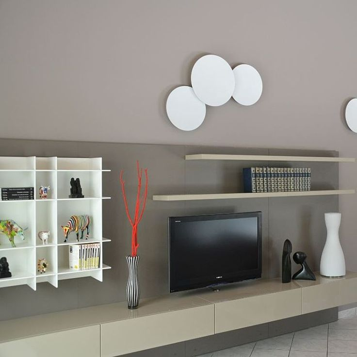 «Un autre angle de vue @):- Réalisation d'un agencement Tv ultra design au #capferret par notre atelier de #menuiserie, #laque matte et ultra brillante…»