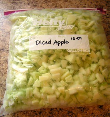 IDEAS ON USING & PRESERVING APPLES- could have used this 50lbs of apples ago. BUT I made some killer applesauce.