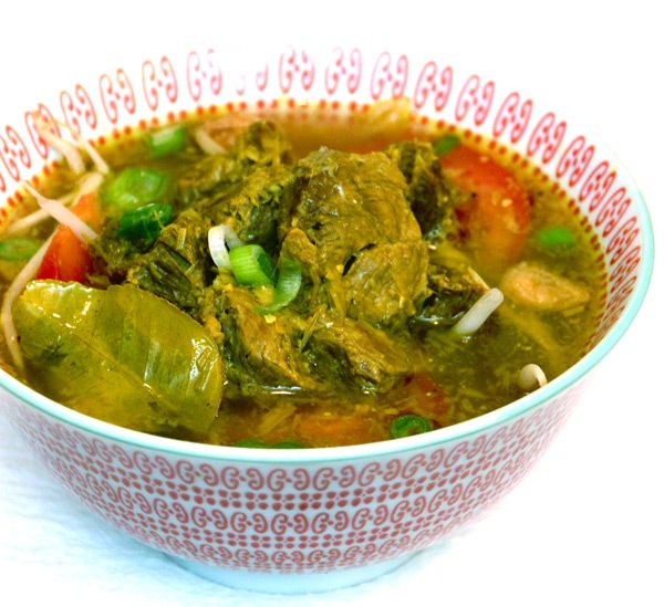 Soto Daging. Indonesian Style Beef Soup With Turmeric, Ginger, Lemongrass, and Kaffir Lime Leaves. | ~Elra's Cooking~