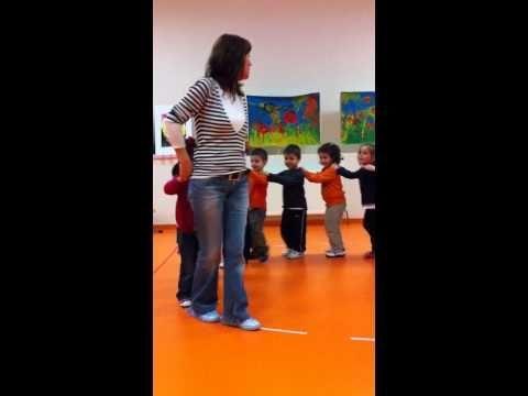 Edremit Mektebim Okulu Zıp Zıp Zıplayalım Oyunu Filiz Öğretmen - YouTube