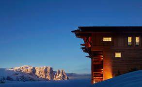 Ylellisen hiihtokeskuksen saunasta voi vain haaveilla - lauteilta upea maisema