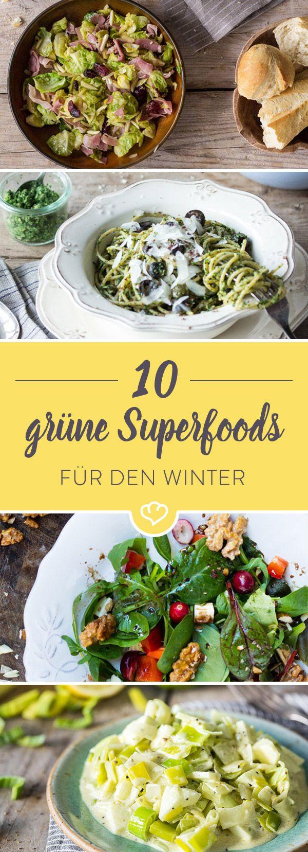 Grünkohl, Feldsalat und Co. sind echte Superfoods. Sie alle punkten mit besonders vielen Nährstoffen, die uns dabei helfen, fit durch den Winter zu kommen.
