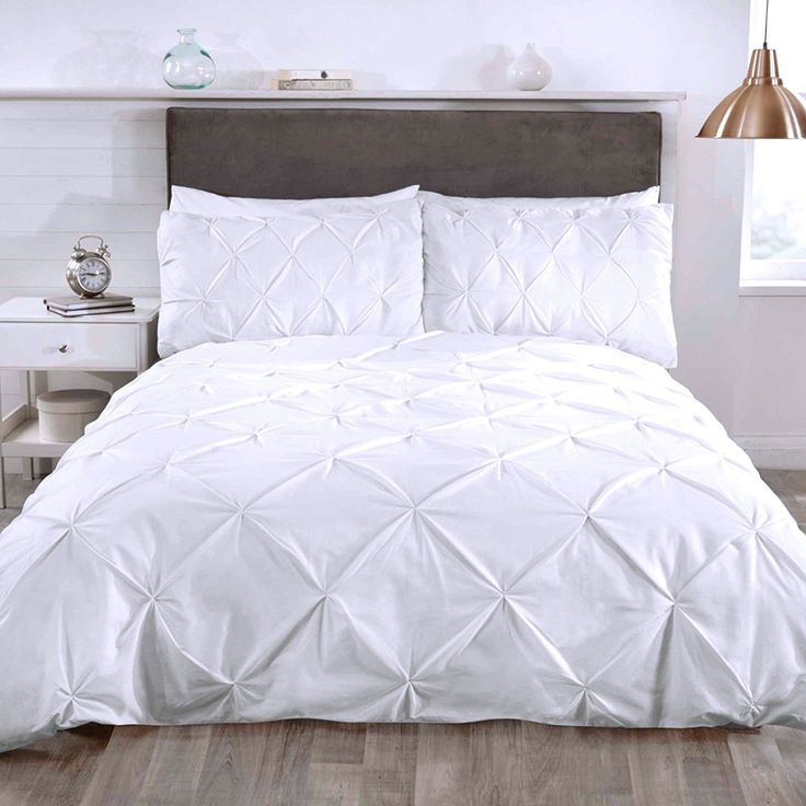 Just Contempo Embellished Ruffle Duvet Cover Set, White, King: Amazon.co.uk: Kitchen & Home ...