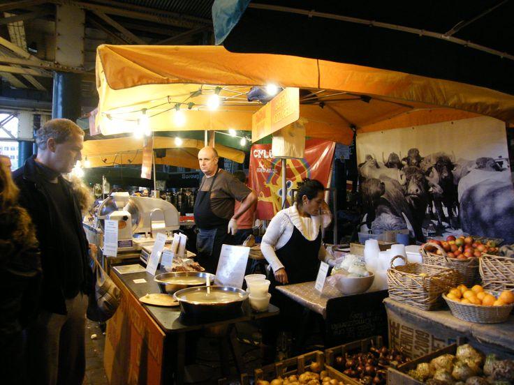 Borough Market - Manger dans les marchés à Londres est une excellente manière de réduire les coûts.