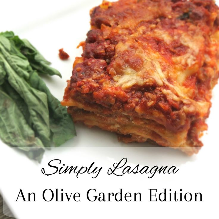 Simply Lasagna: An Olive Garden Edition - My favorite lasagna ever. It's loaded with cheese and an authentic italian meat sauce that is so super easy to make. What are you waiting for? Let's cook!