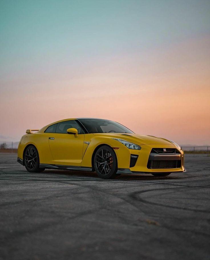 Nissan GTR R35 Yellow Sports Car