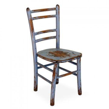 Cadeira Envelhecida colorida.