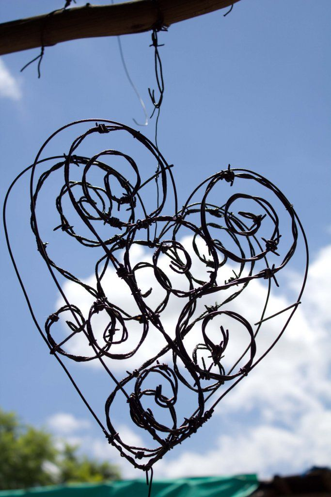 Easy to make wire sculpture.. Great gift for for her.
