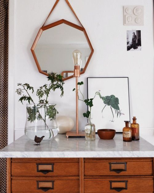 Love the lamp and light bulb. Want this filer and that marble table top!!