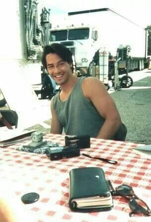 Keanu Reeves on set of Point Break