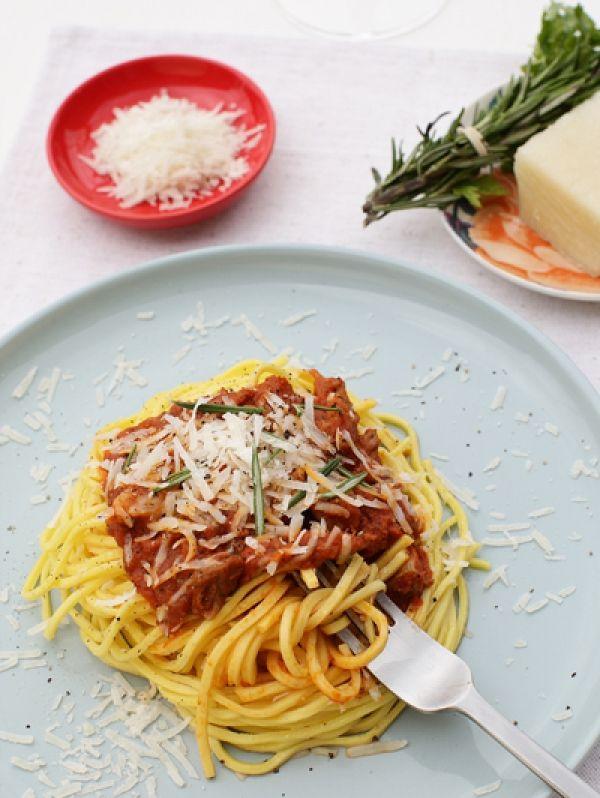 CANTINETTA'S TOMATENSAUS Authentiek Italiaans eten doe je bij Cantinetta Wine & Pasta op de De Clercqstraat 105 in Amsterdam.