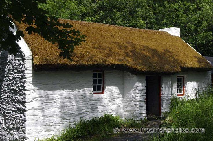 Whitewashed Irish Cottage Thatched Roof A B I D E W M