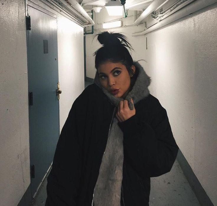 Kylie Jenner  Follow me @leset645