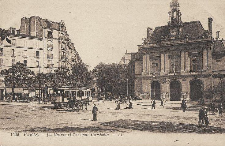 L'avenue, la place Gambetta et la Mairie, oui ! la marie  de quel quartier ?vers 1900.