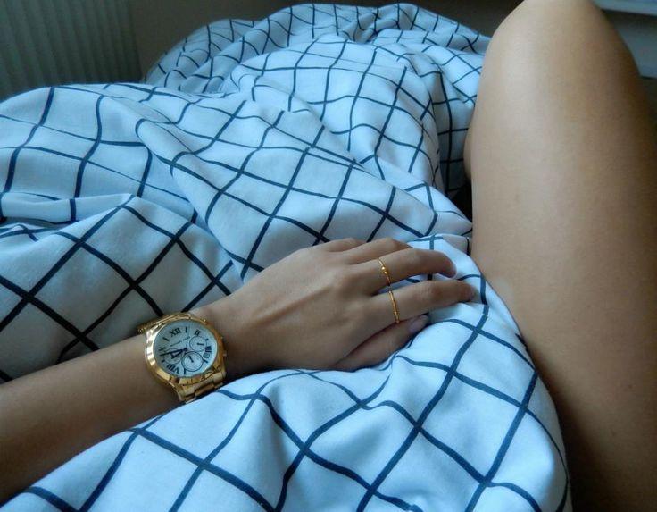 Lazy mornings.. http://hvi.sk/r/6xrd #Hvisk #Hviskjewellery #Hviskstyling #Gold #jewellery #Watch #Lazymorning #Michaelkors