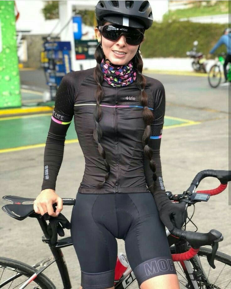 Pin by Eds on Woman in Bike  4a8fe2e8e