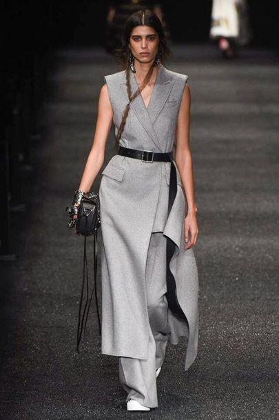 Alexander McQueen Autumn/Winter 2017 Ready to wear Collection   British Vogue