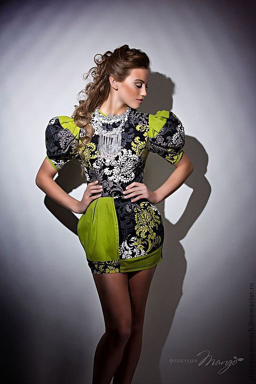 Купить Салатовое платье - салатовый, абстрактный, короткое платье, летнее платье, принт, яркое платье