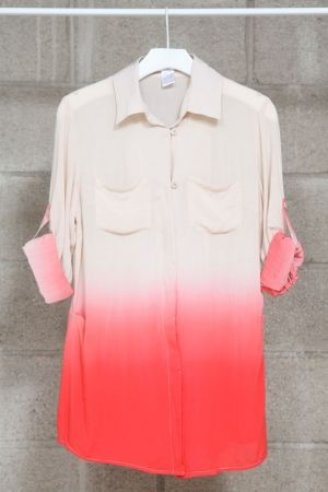 coral ombre. yes to the shirt.