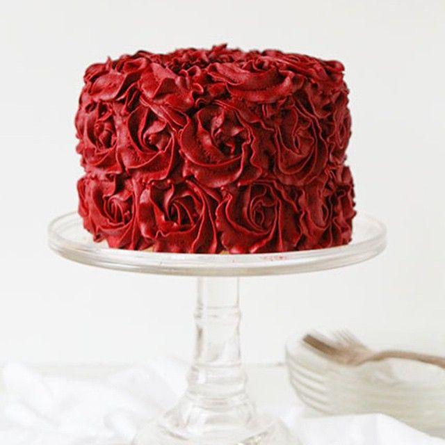 red velvet buttercream rose cake - i am baker